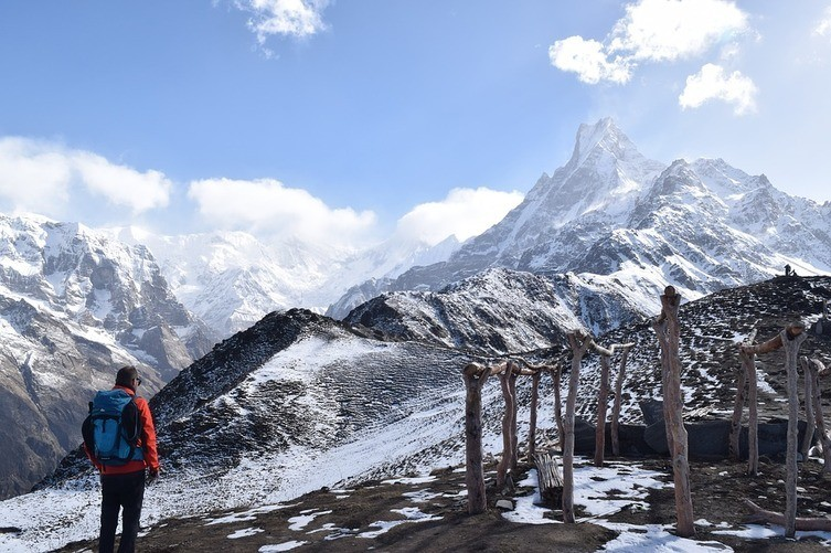 trekking without guide